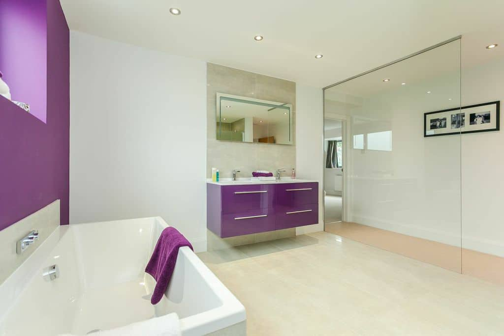 Robertsons bathroom 28 images minimal bathroom high for Bathroom design high wycombe